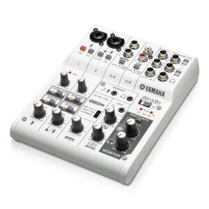 Yamaha AG06. Mesa de mezclas USB